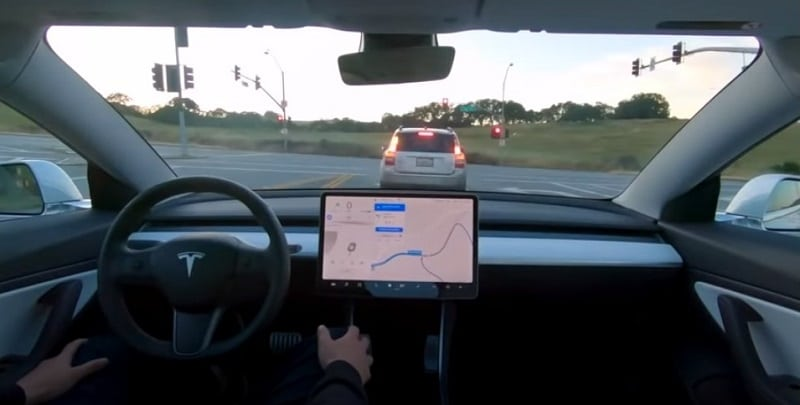 Tesla Level 5 Autopilot Traffic Light Recognition